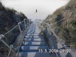 Trappen ned til stranden