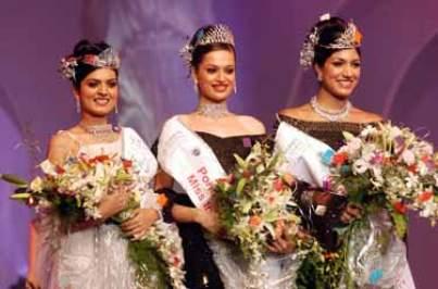 (L to R: Niharika Singh, Amrita Thapar, Sindhura Gadde after winning Miss India 2005 titles)