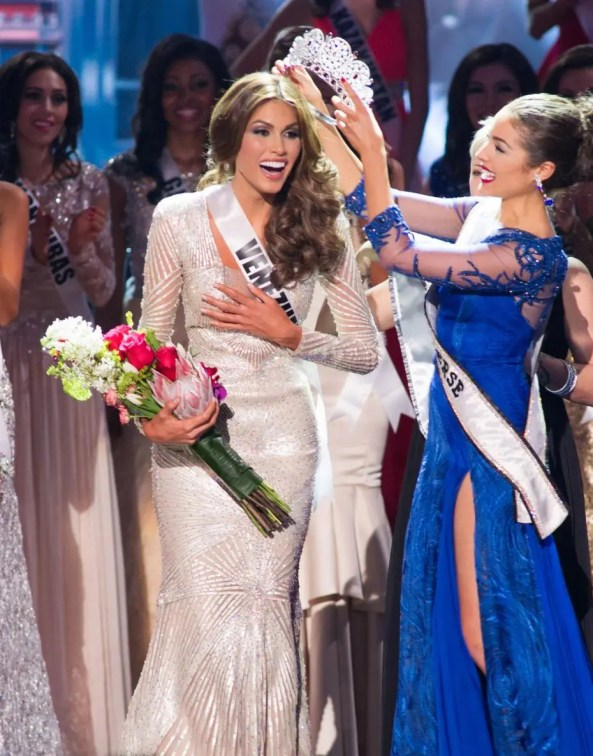 Gabriela Isler during crowning moment as Miss Universe 2013