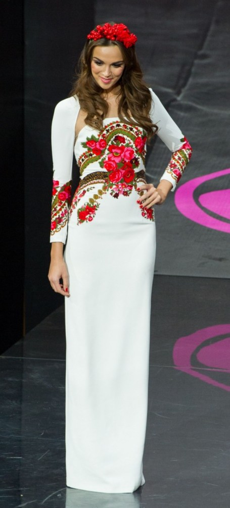 Paulina in National Costume round of Miss Universe 2013