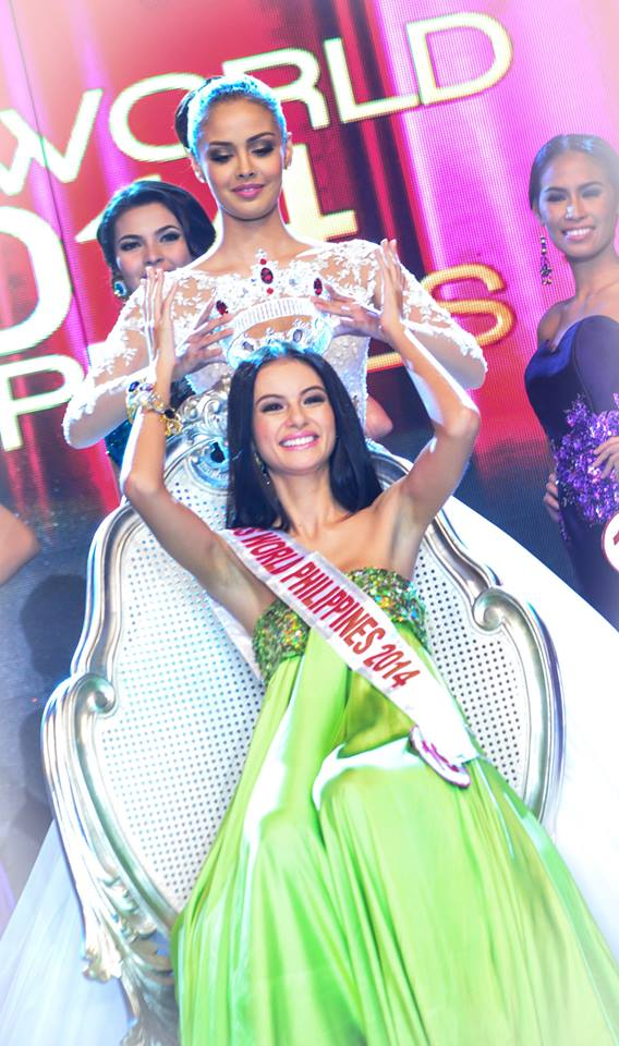 Megan Young Crowning Valerie Weigmann as the New Miss World Philippines