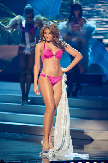 pu_1_2014_missuniversepageantswimsuitcompetition_uni201408020