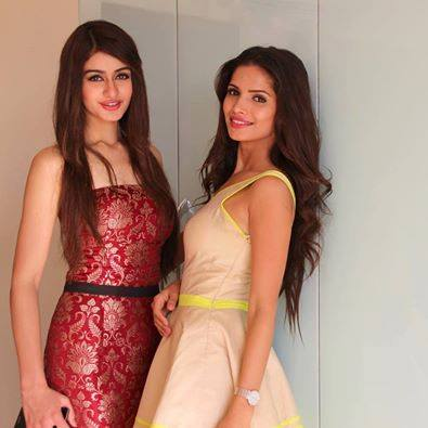 Aditi Arya & the mega-favorite Vartika Singh prior to finals