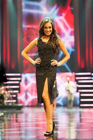 Chanelle Sardinha looked stellar even during Miss South Africa finals.  We wish she returns back next year.