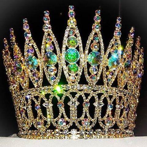 Miss World Amercia 2015 Cown