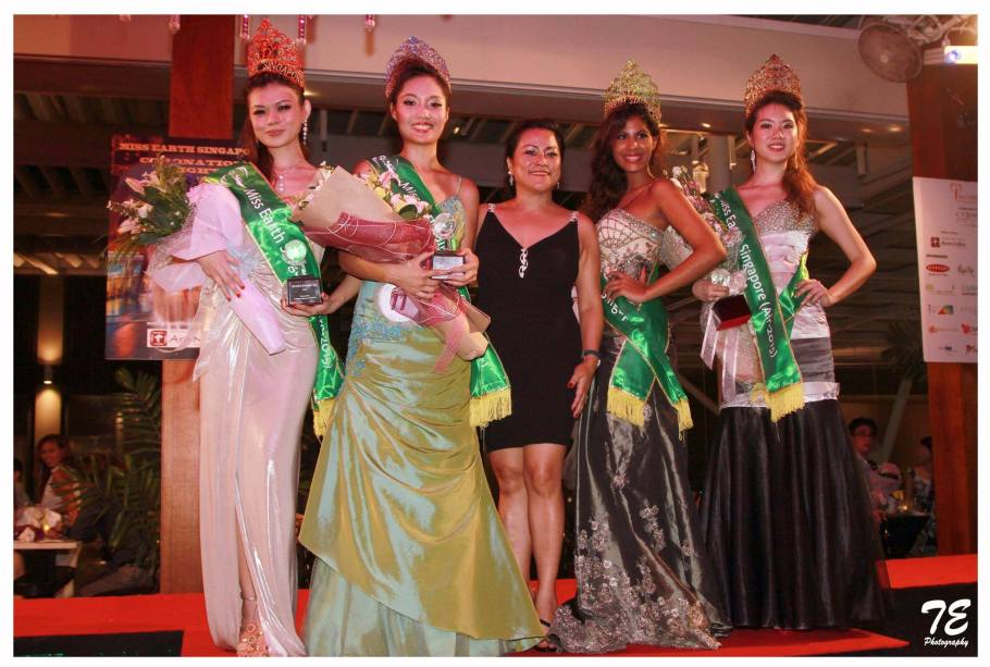 Miss Earth SIngapore 2015-Tiara Hadi(Second from right) with her elemental court