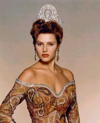 Mona Grudt won the Miss Universe 1990 crown