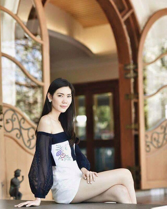 Nunchnarin Sinlaparak: Miss Tourism World 2015