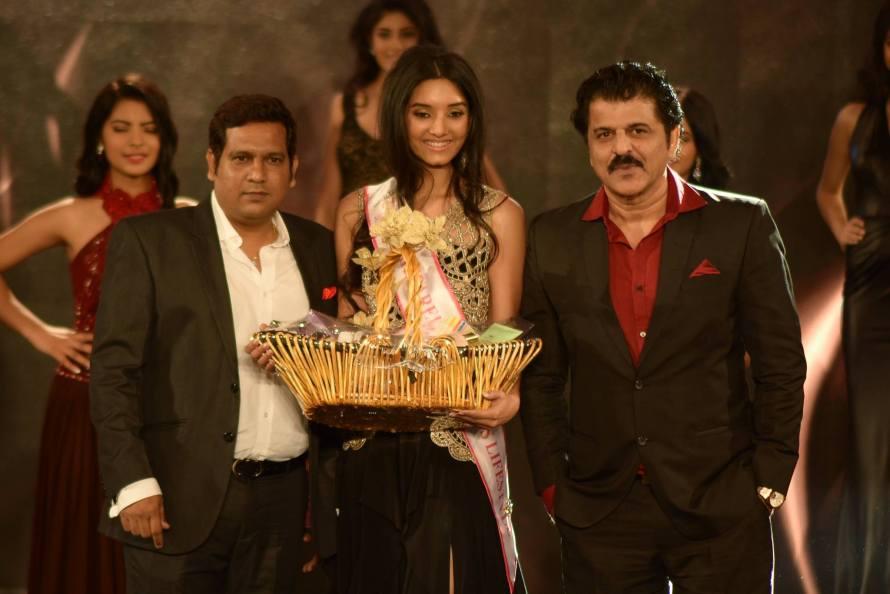 Vaishnavi Patwardhan won Ruparel Realty Miss Lifestyle at Femina Miss India 2016 Sub Contest