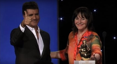 Julia Morley presented Simon Cowell with the 2009 Variety Humanitarian Award