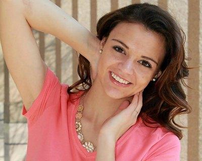 Lizelle Esterhuizen crowned Miss Namibia 2016