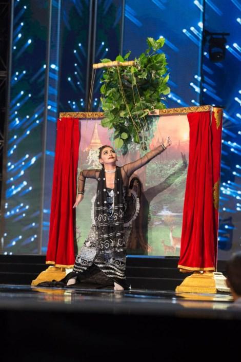 Miss Myanmar ,Htet Htet Htun during Miss Universe 2016 National Costume presentation