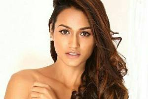 Priyanka Kumari is declared as Miss Intercontinental India 2017