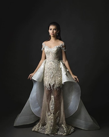 Achintya Nilsen of Indonesia wins World Dress Designer 2017 Award