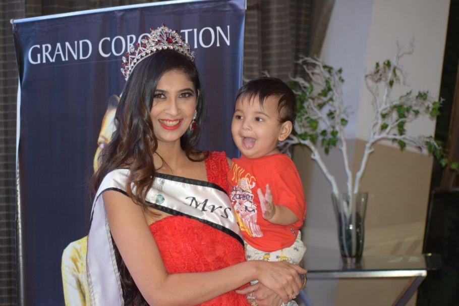 Farha Anwar crowned as the winner of Mrs. Asia United Nations International 2018.