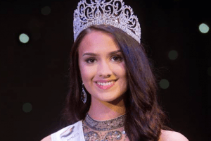 Bethany Harris crowned as Miss Wales 2018