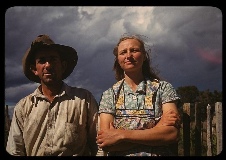 https://i2.wp.com/thegreatrecession.info/blog/wp-content/uploads/Great-Depression-Farmer-and-Wife-768x544.jpg