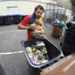 """Francês pedala de Paris a Varsóvia comendo só """"lixo"""""""