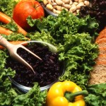 Em Curitiba, moradores podem trocar lixo reciclável por comida