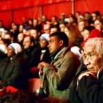 Papa Francisco convida 2 mil sem-teto e refugiados para espetáculo circense