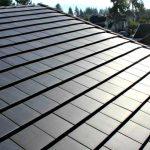 Tesla começa a produzir em larga escala telhas que geram energia solar (e são mais baratas do que as telhas convencionais)