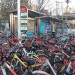 O que acontece quando não se investe em estrutura cicloviária? China está sofrendo com superpopulação de bikes