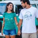 Casal de brasileiros pede demissão e viaja o país de kombi