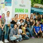 """Chuveiro itinerante dá """"ducha"""" de dignidade para pessoas em situação de rua"""