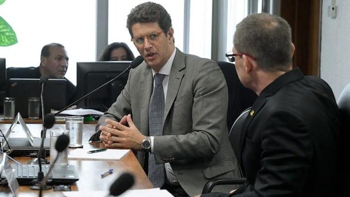 Ministro questiona contribuição humana no aquecimento global