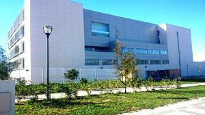 Situado en la ampliación del Campus de Teatinos.