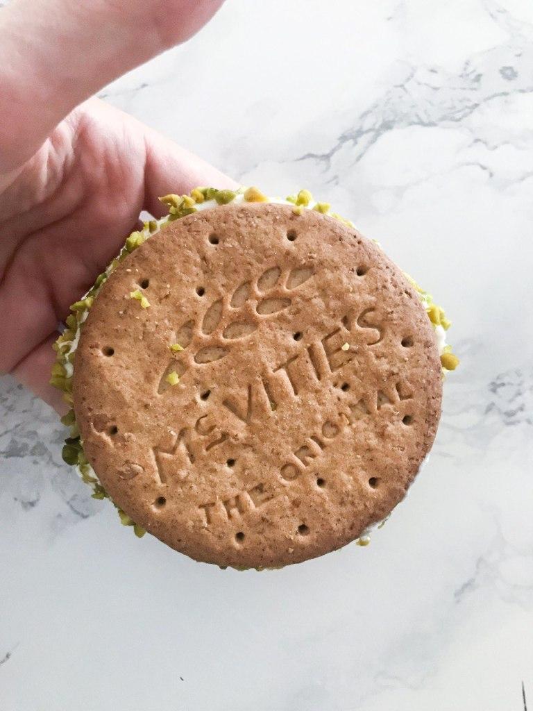 Biscotto gelato con biscotti Digestive