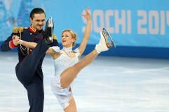 Russia's winning pairs team in figure skating, Tatiana Volosozhar and Maxim Trankov- such an amazing skate!