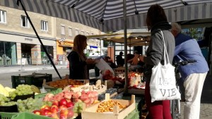 zero waste shopping trip 1030 - farmers market