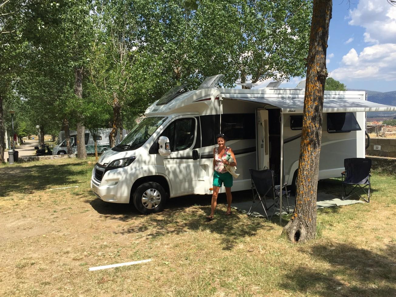 068 Camping ...