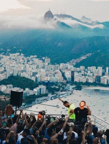 ARTBAT Cercle Sugarloaf Mountain Rio de Janeiro Brazil