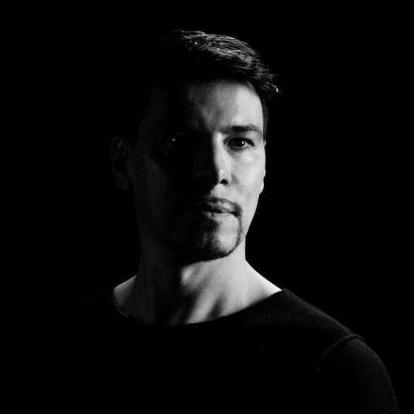 Thomas Gold press pic