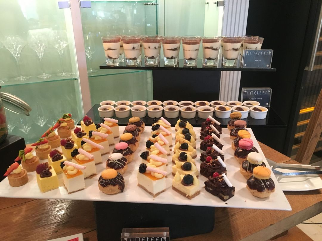 Nineteen-Address-Dubai- brunch-desserts