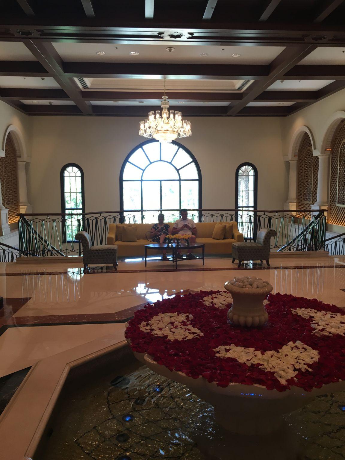 Ritz-Carlton-JBR-entrance