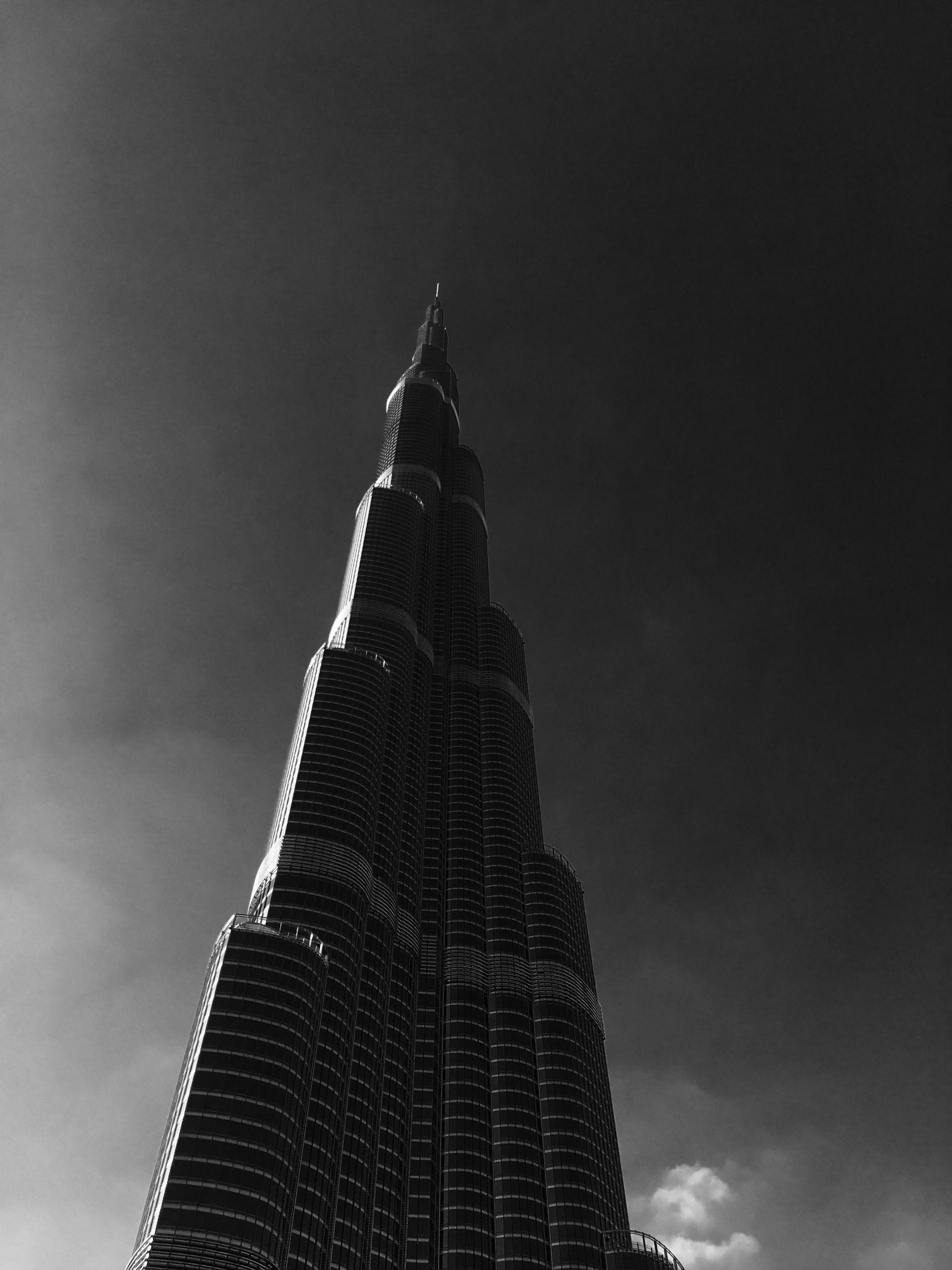 Burj-Khalifa-Dubai-Black-White