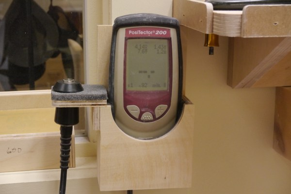 Device to measure the thickness of the finish - Michael Greenfield (luthier)