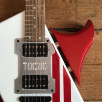 Alteratio Tocxic Instruments - Guitar Review of the Mad Max Explorer?