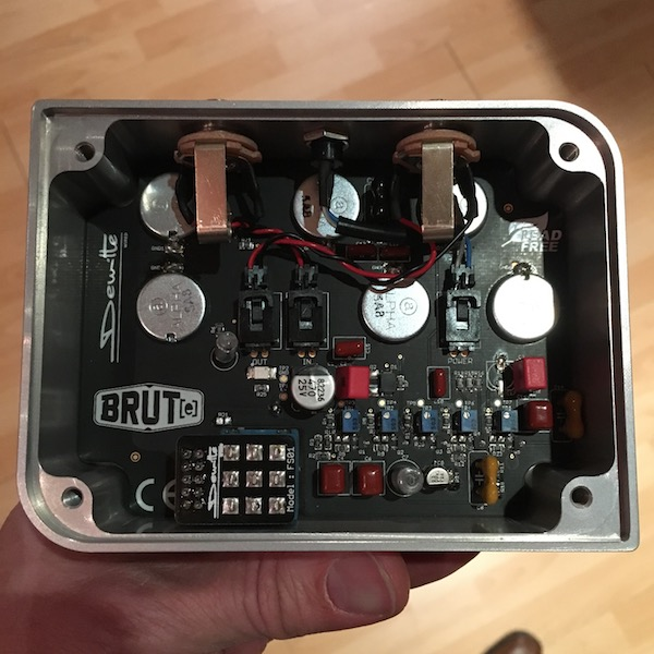 Pedal Review - Brut(e) Dewitte Wired - Add huge sounds to your pedalboard