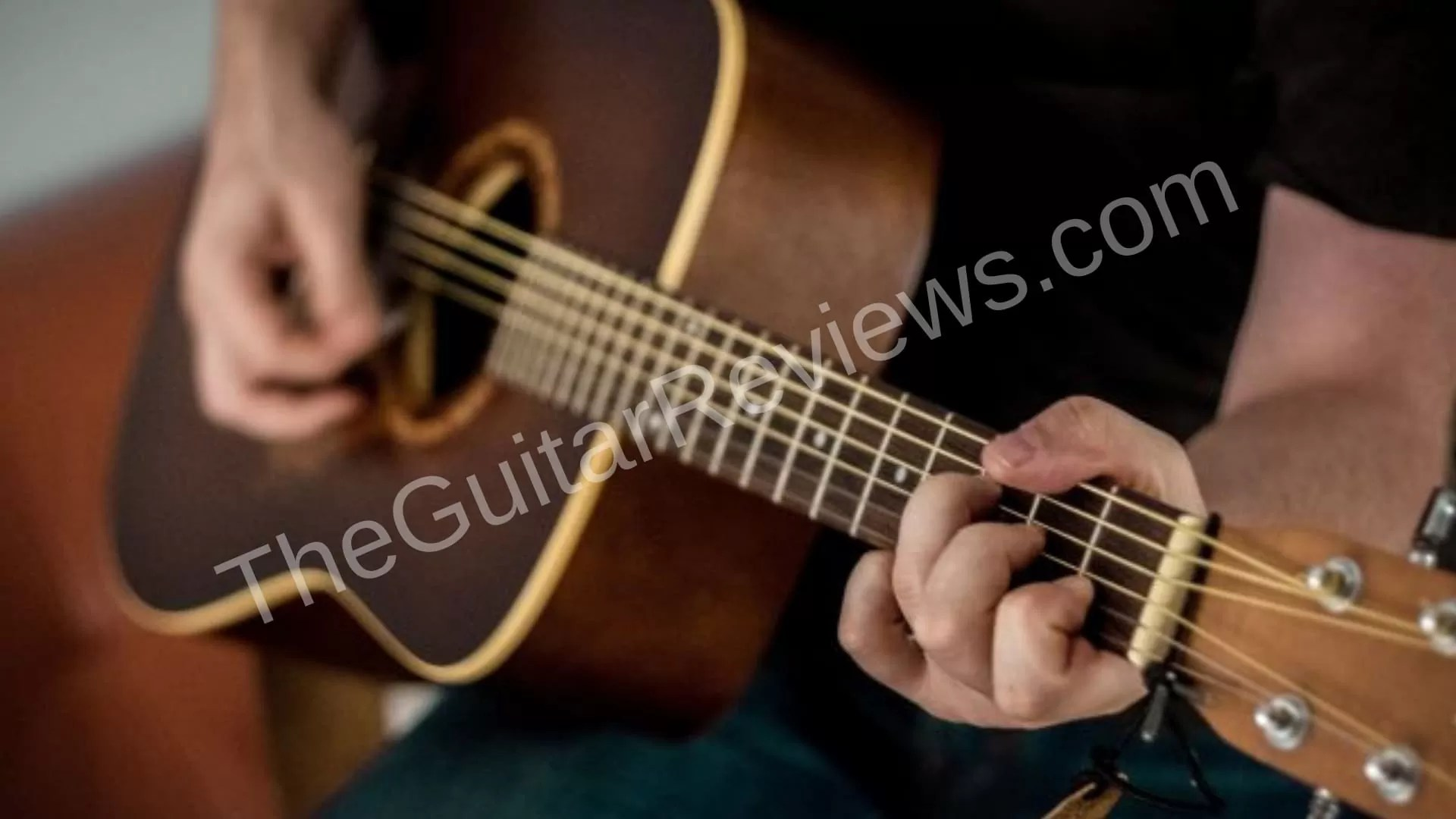 Best Acoustic Guitars under 1500 Dollars [8 Reviews of 2019]