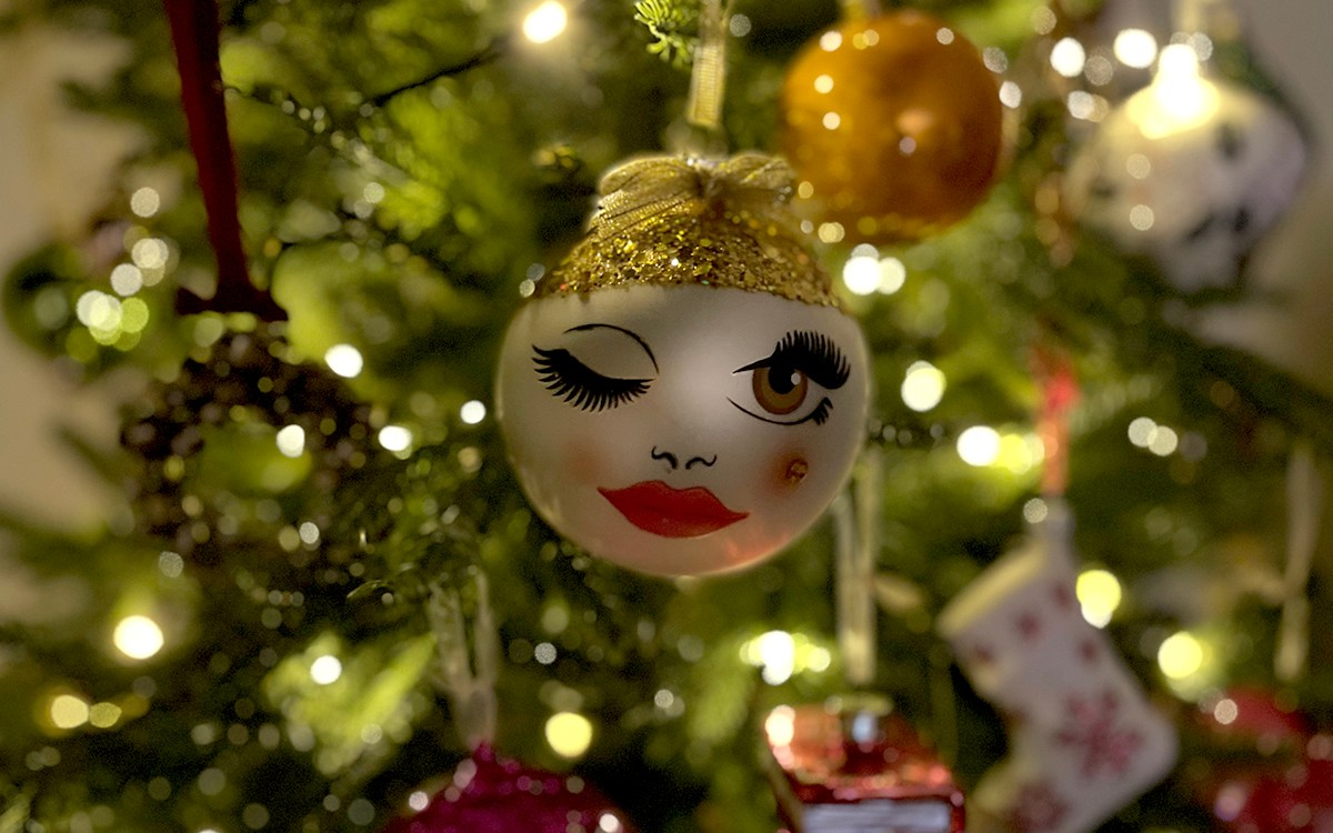 A winking bauble