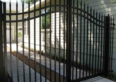 Black 3 Rail Arched Gate Victoria