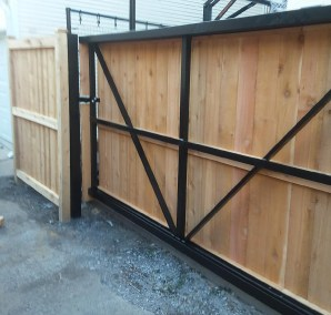 Wood on Aluminum Cantilever Gate