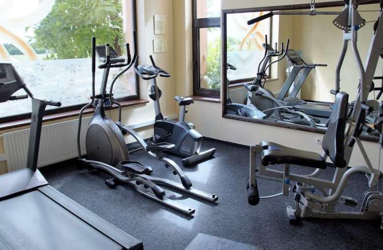 elliptical in gym