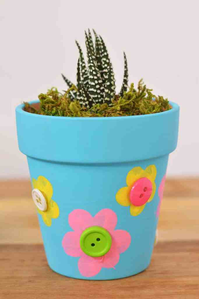 Mothers Day Flower Pot Craft For Kids by theinspirationedit.com