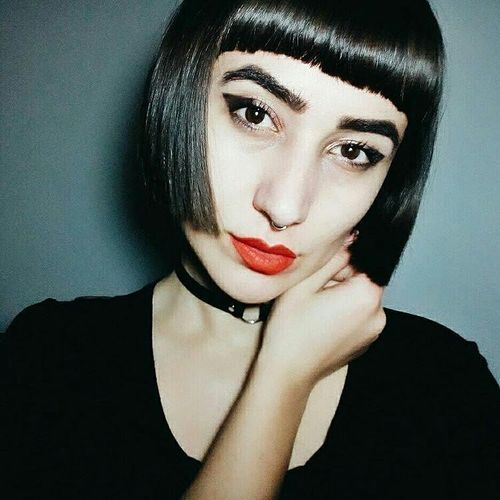 short hairstyles with blunt bangs