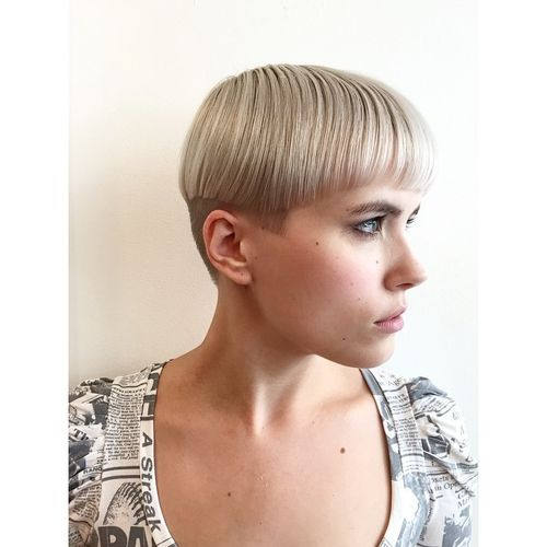Smooth Blonde Hair with Shaved Temples and Nape